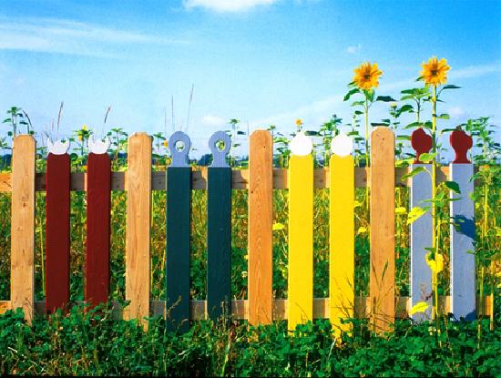 чем красить забор на даче