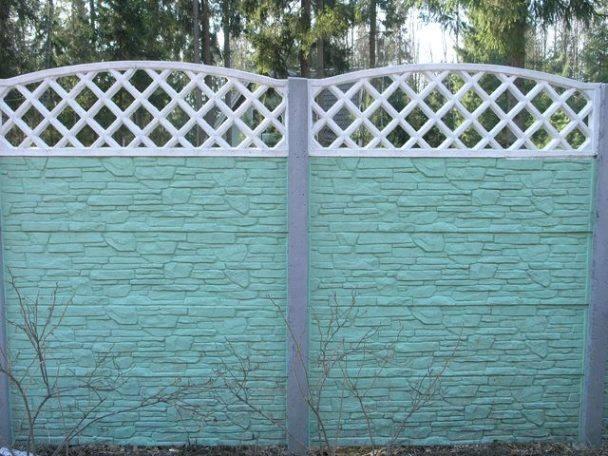 Зачем красить забор на даче
