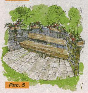 Деревянная скамья, выполненная из сухого ствола