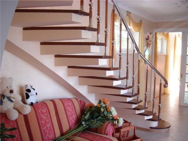 Лестницы на консолях