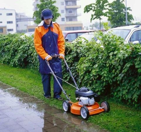 Спецодежда для работы в саду