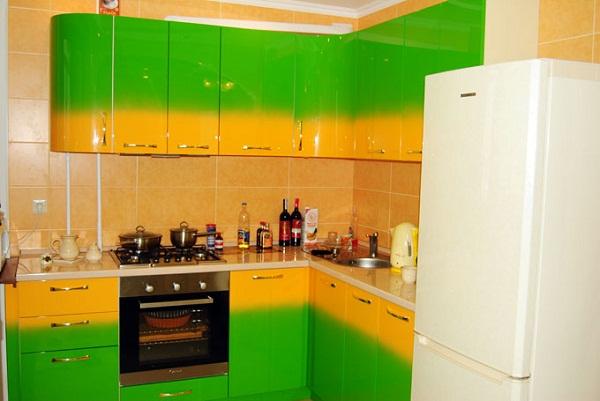 Кухню своими руками покрасить