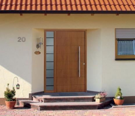 Выбор входной двери для дачи