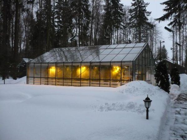 По каким же параметрам подбираются зимние теплицы