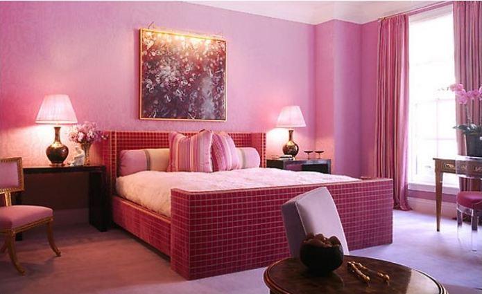 торшеры в романтическом интерьере комнаты