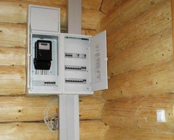 Как правильно провести электричество на даче