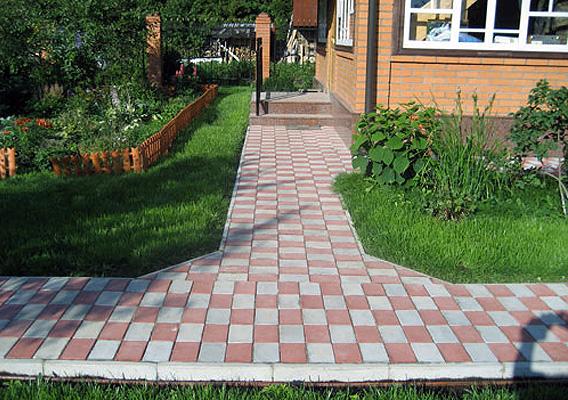 Как ухаживать за тротуарной плиткой в саду
