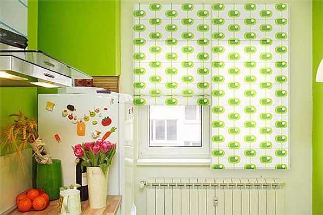 Рулонные шторы для кухни ярких оттенков