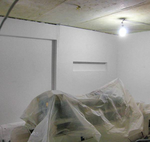 Как правильно подготовить помещение для установки натяжного потолка?