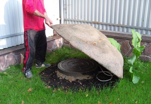 Декорирование канализационного люка