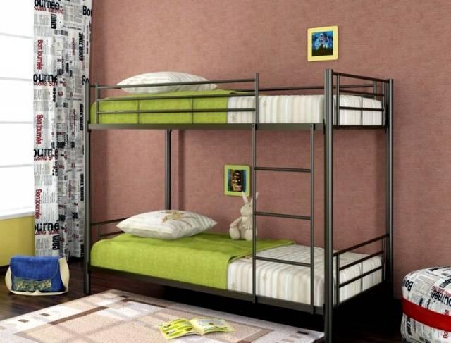 Двухъярусная кровать из металла для детей: советы по выбору