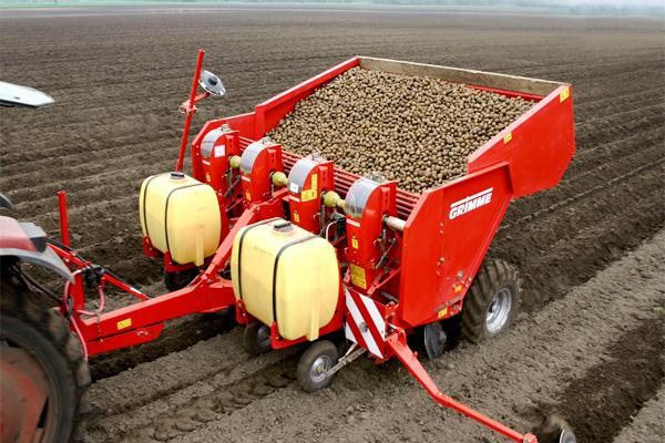 Картофелесажалка на трактор