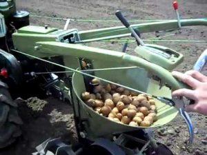 Выбираем картофелесажалку