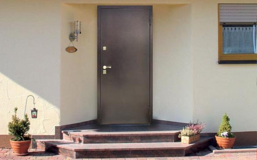 металлическая дверь дача