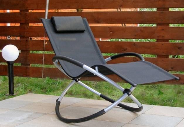 Как выбрать кресло-качалку для дачи