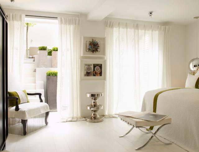 Как выбрать шторы для спальни