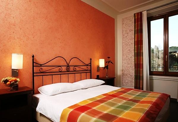 Жидкие обои для спальни – сочетание элегантности и практичности