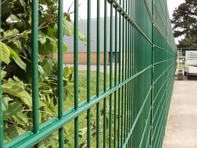 Заборная сетка из прутьев