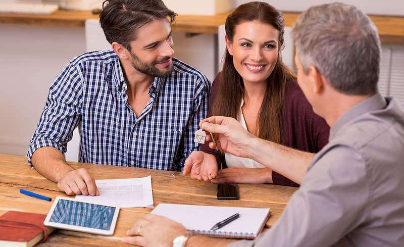 Покупка квартиры через агентство недвижимости: каковы преимущества этого варианта?
