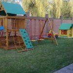 Построить крытую детскую площадку